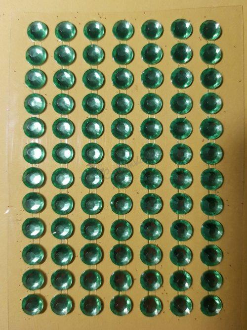 Friss zöld színű csiszolt kő hatású strasszkő (84db)