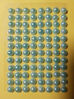 Világoszöld színű gyöngyház hatású strasszkő (96db)